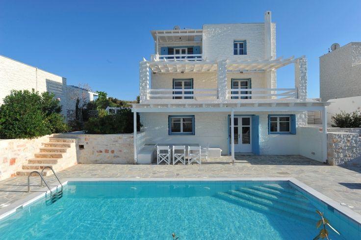 Grand Villa Adrasteia in Paros, 4 MB, 4B with Private Pool