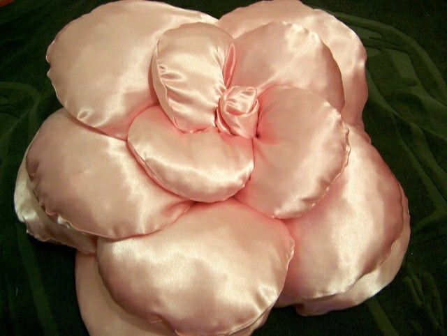 satin pillows shaped 3D flower diameter cm70