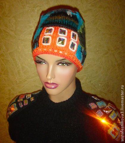 Шапочка `Коралловый 2-х этажный домик` уменьшенная. Ручная работа. Любимая расцветка. Сваровски. Головной убор, который заставляет прохожих оглядываться на вас))))))) шерсть мягкая, не кусается.  Эта шапка отличается от этой www.livemaster.ru/item/2986705-aksessuary-shapochka-korallovyj-2-h-etazhnyj  тем,…