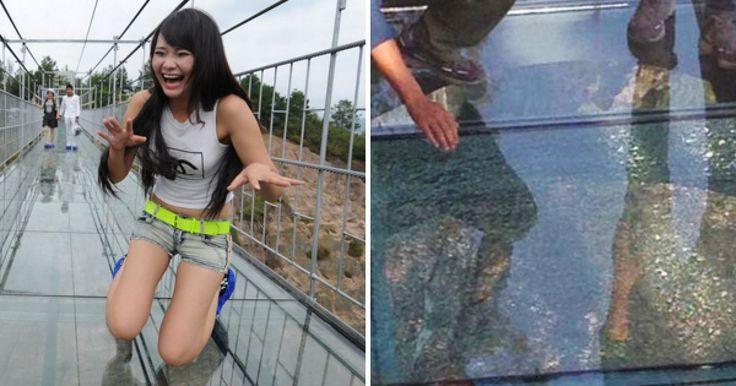 Recientemente el Parque Nacional Geológico Shiniu Zhai en China inauguró un puente de cristal que llega a alturas de más de 1 km sobre el nivel del mar el pasado 20 de Septiembre. Desde esa fechas cientos han sido los visitantes que transcurrieron la elevada pasarela, volviéndose una sensación de la noche a la mañana.