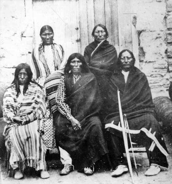 Portraits From 1800s 1900s Photo Of Five Native American