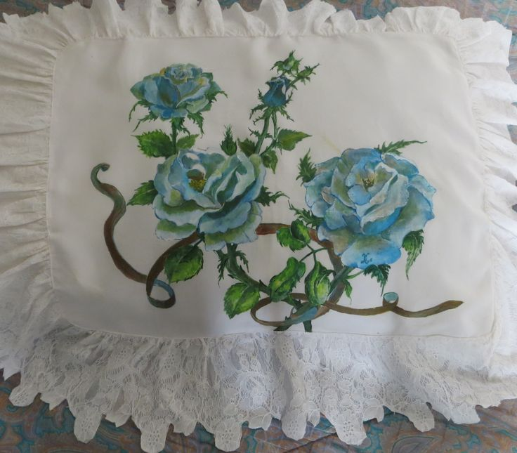 cuscino- pittura su tessuto.