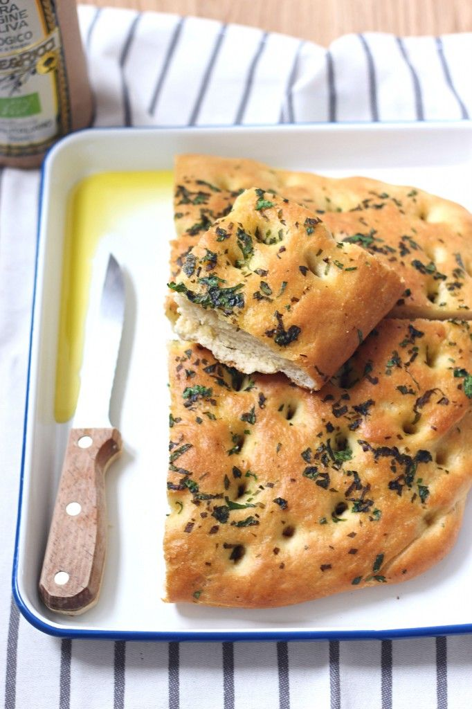 Focaccia à l'ail des ours - Wild Garlic Focaccia The Happy Cooking Friends