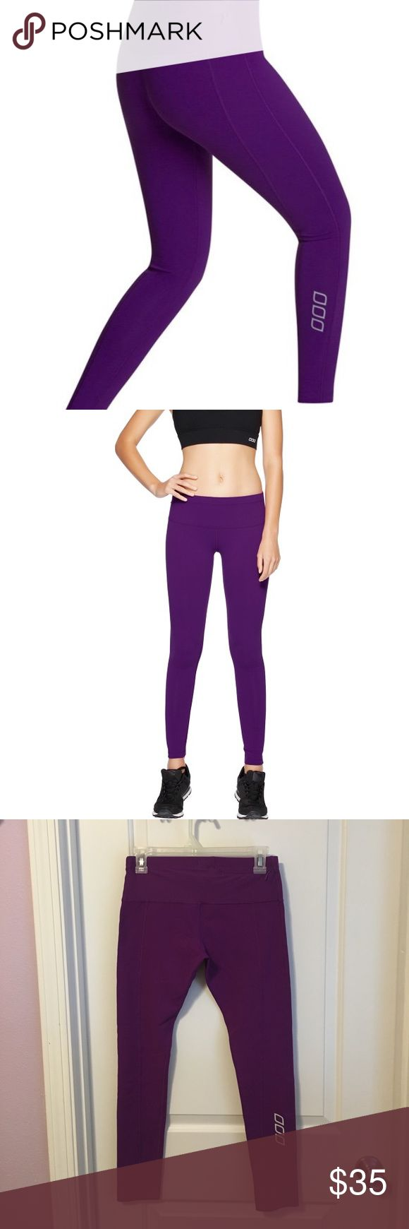 "Lorna Jane Karli Support Tights Ultimate support and comfort is what LJ Excel Core stability gives the active wearer, and it features in the higher waistband of this tight. Internal drawcord in waistband to adjust your fit. Zip pocket on back right waistband. Be seen reflective on back right calf, perfect for outdoor active living. 88% Nylon, 12% Elastane. No tag but measure XS with other LJ crops. Measures 12 3/4"" across waist and inseam is 26.5. Gently used with just one area of piling…"