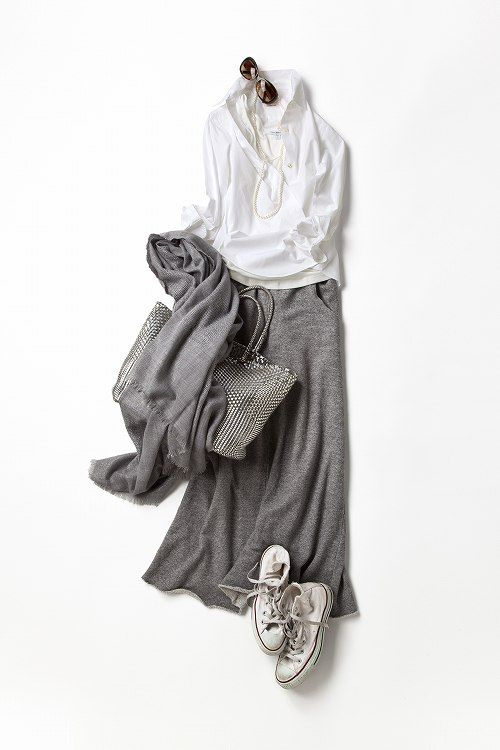 Kyoko Kikuchi's Closet | 白~グレーのグラデーションを楽しむ、 自然体コーディネート