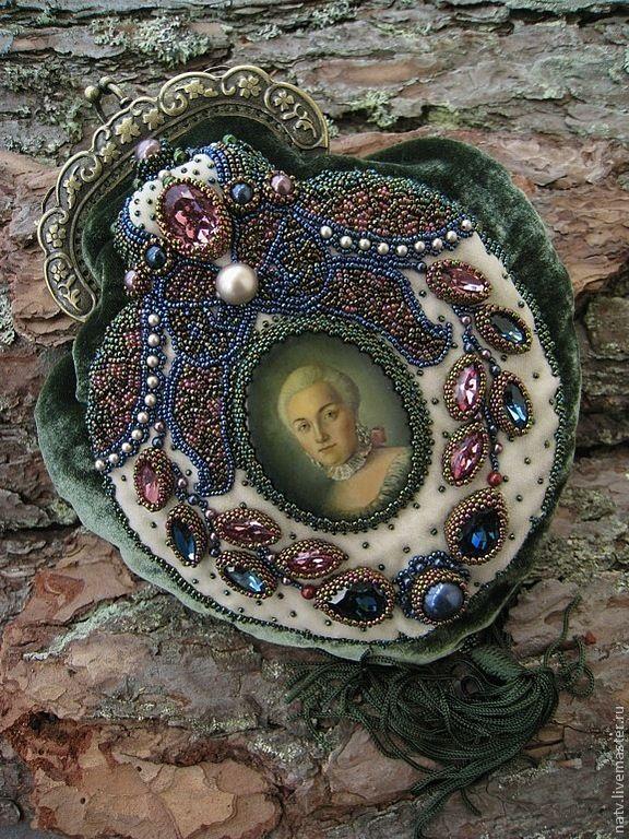 Купить Придворный этикет - тёмно-зелёный, бархат, травянистый, старинный, жемчуг, swarovski, swarovski beads