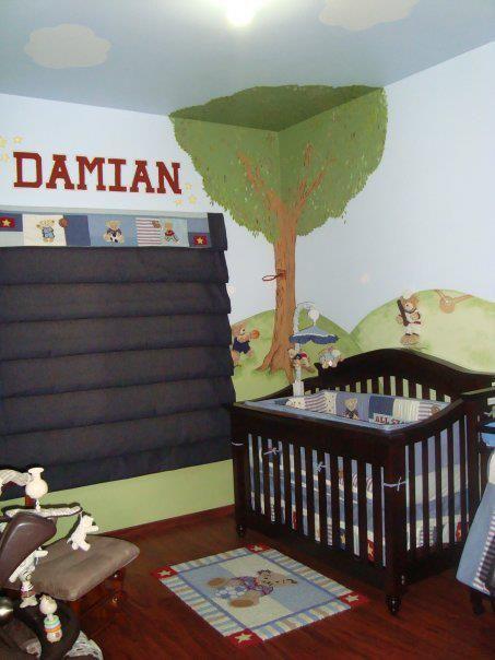 """Osos deportistas al aire libre"" Decoración temática de habitación de bebé A&D con todos los accesorios necesarios cuna, edredón, cortina, pañalero, mobil mecedora, etc."