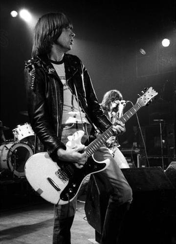 Johnny Ramone - The Ramones