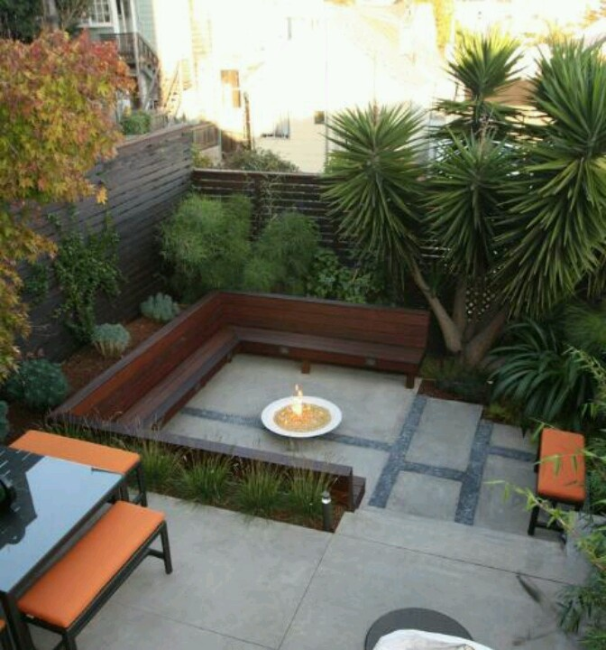 17 best images about new place decor ideas on pinterest for Townhouse deck privacy ideas