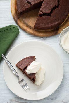 Chocolate potato cake: una vera chicca irlandese da gustare con una delicata crema al Baileys! [Irish chocolate potato cake]