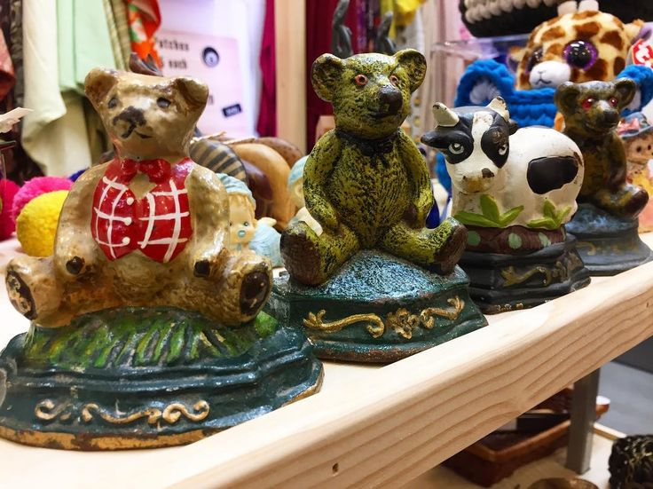 Vintage cast iron door stops $29 each. We only have these four in store @southmelbournemarket so get in quick to avoid #crylater     #castirondoorstop #castiron #doorstop #vintagedoorstop #vintage #vintagehomewares #teddybear #bear #cow #doorstopper #antique #antiquedoorstop #southmelbourne #southmelbournemarket #melbourne #xmas #xmasgiftideas #christmas #gifts #koenjivintage #buynoworcrylater