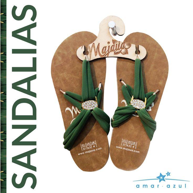 Sandalias en tono verde militar.   #verano #amarazulswimwear #beachwear