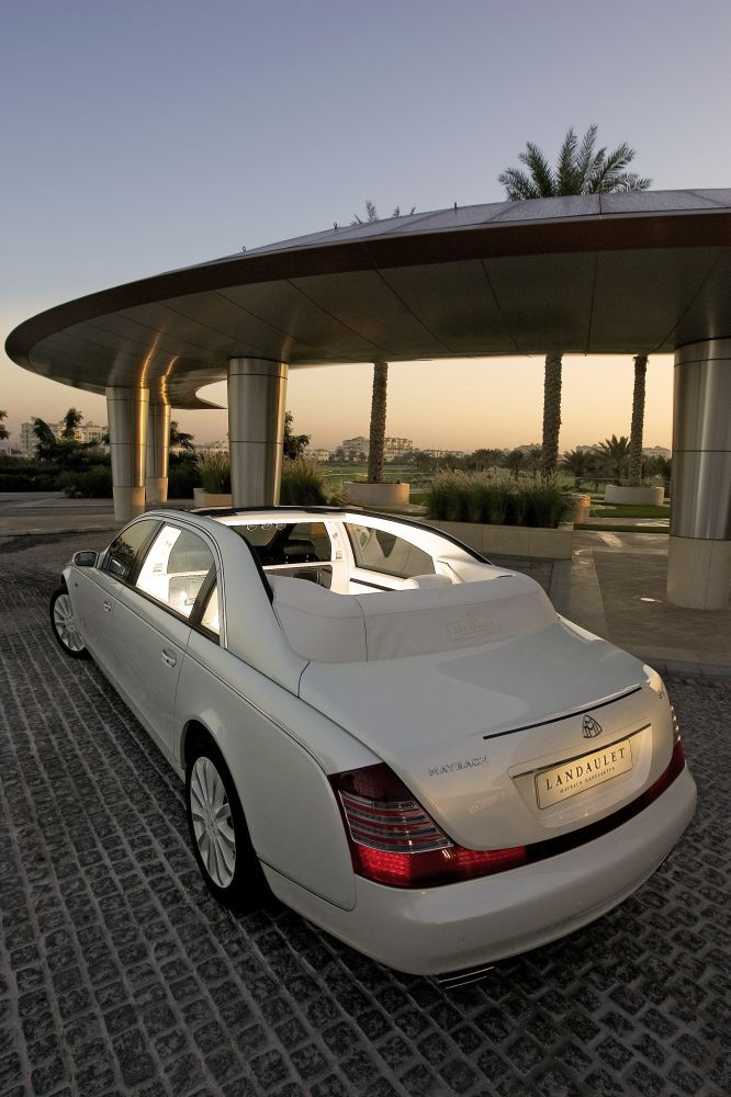 The world most exclusive Open Top Luxury Sallon: The Maybach Landaulet