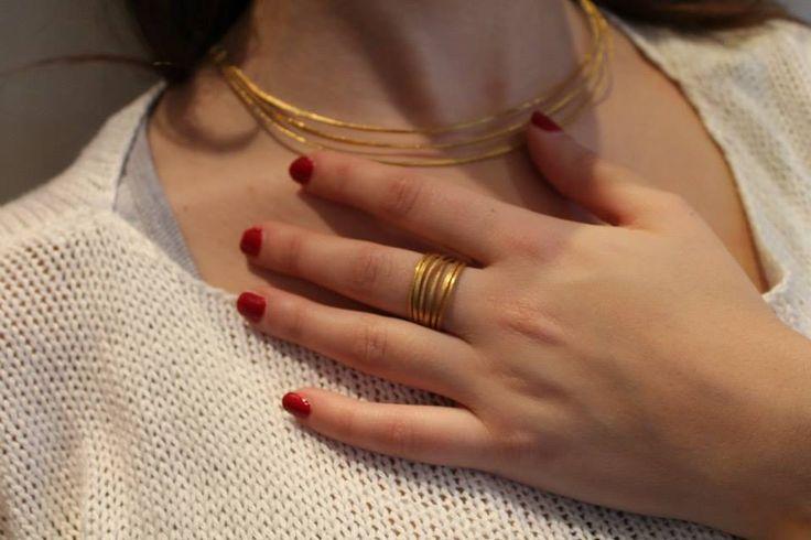 Κολιέ και δαχτυλίδι σε χρυσό Κ18.