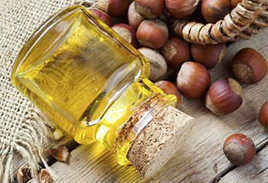 Benefits of Hazelnut Oil for Moisture Retention The problem: Thinning spots and slow growth Cocktail:  Amla-oil Castor oil Rosemary-Mint essential oil/Coconut oil Mayonnaise Avocado SheaMoisture Coconut & Hibiscus Curl & Shine Shampoo/Raw honey Olive oil Banana