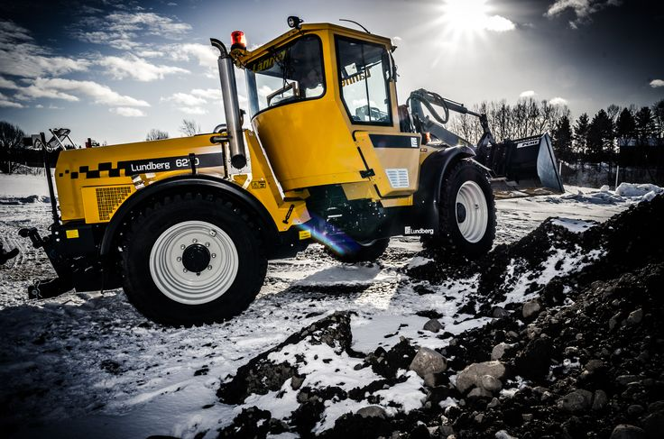 #Lundberg multi-purpose machines are known for their #speed and #agility. A high ground clearance and the large articulation angle of the articulation joint also make it possible to work in challenging terrain.