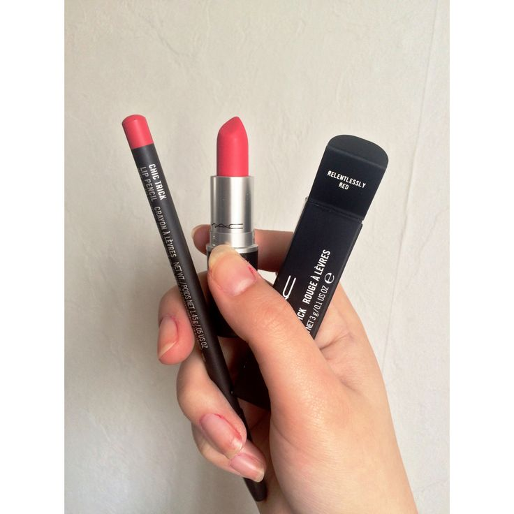 Mac Relentlessly Red and Chic Trick
