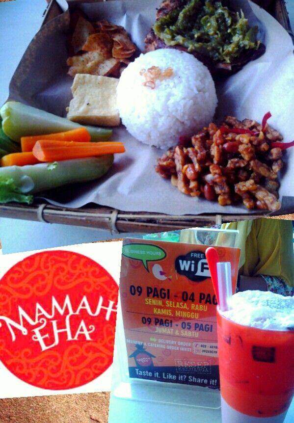 Nasi Ayam Penyet Special + Cipeureut Rose import at Kedai Mamah Eha, Bandung