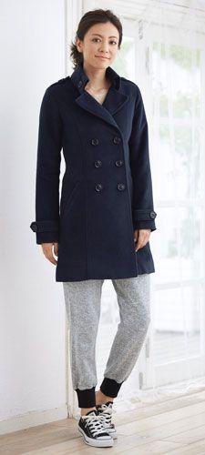 秋冬に着るならコートと合わせても◎おすすめの40代アラフォー女性のスェットパンツコーデ