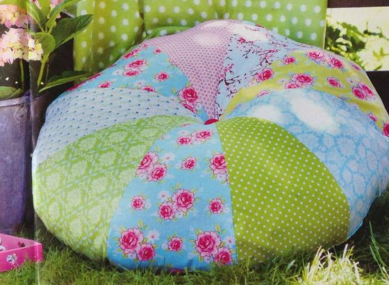A Patchwork-Cushion for the garden Made in Bettina Nagel
