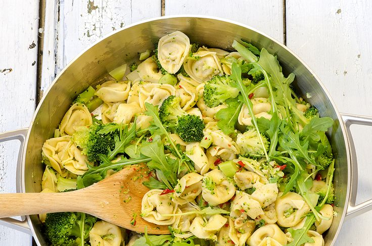 Fru Timian | En matblogg med deilig mat for hele familien | Tortellini med chili og brokkoli