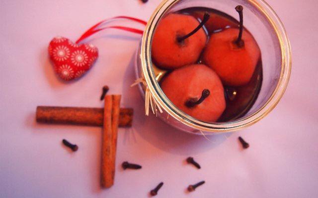Rotwein Gewürz Birnen