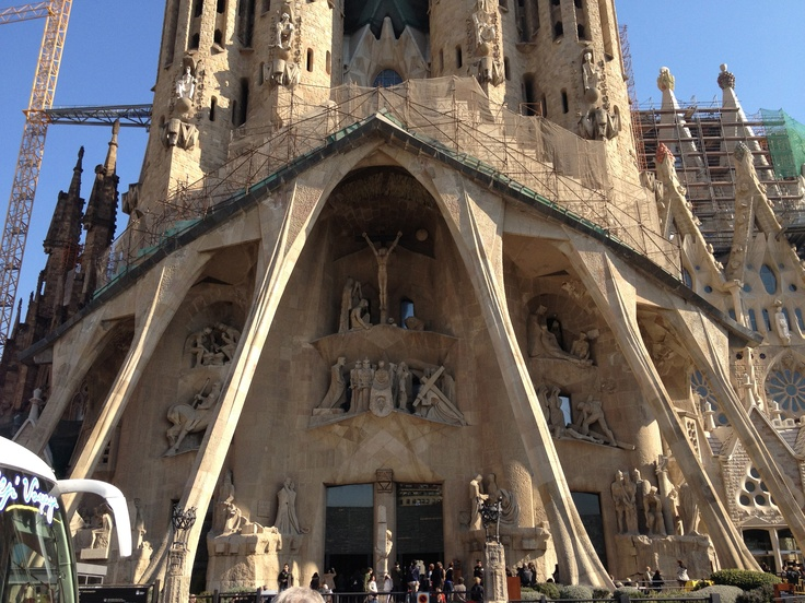 Front Facade of La Familia Segrada in Barcelona, Spain... such an amazing church, wish this showed the inside