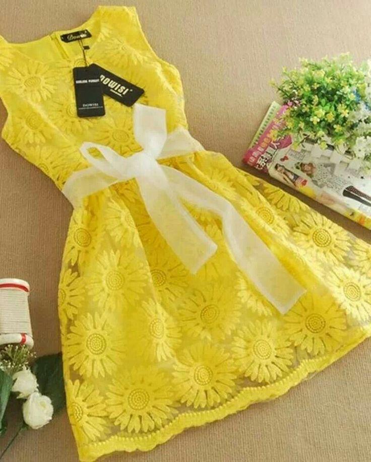 Pale yellow dress size 6 girls