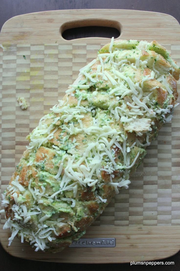 Cheese and garlic crack bad .. now that it's everywhere on the internet, it's time we make it ...