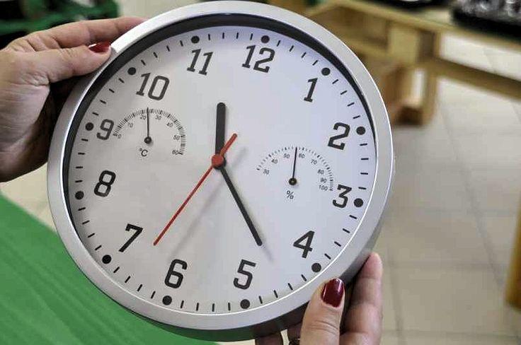 ceas de perete cu termo- si higrometru. art.nr: 01038. Lei 39.90