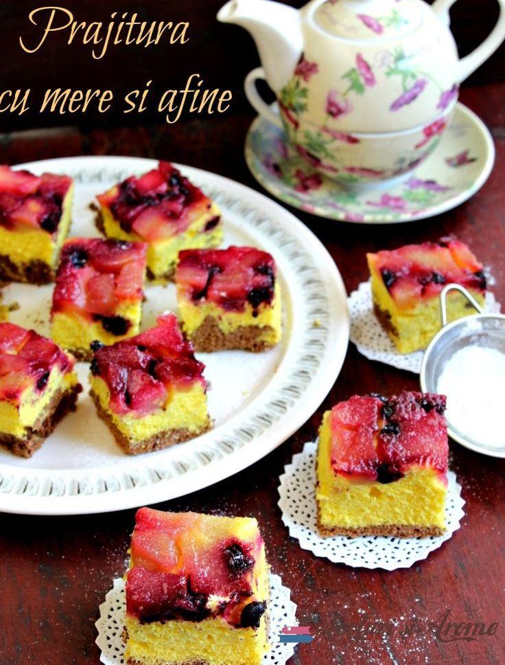 Prăjitură răsturnată cu mere și afine