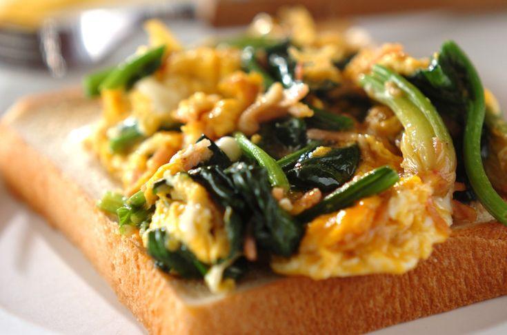カロチンとビタミンC豊富なホウレン草で肌荒れや風邪の予防にも!朝食にもぴったりのレシピ。