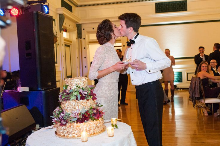 Elaina & Brian | Soldiers & Sailors Museum| Grand Ballroom | Pittsburgh Wedding | Fall Wedding | October Wedding | Rania's Catering | Goldstein Photography | Grey Phoenix Lighting | Cake Cutting |