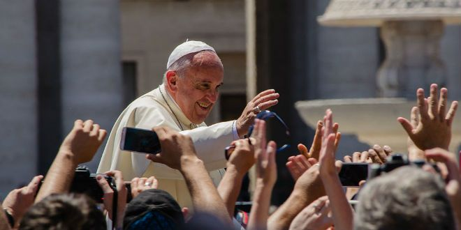 "Pope Francis condemns ""genocide"" of Christians in the Middle East"