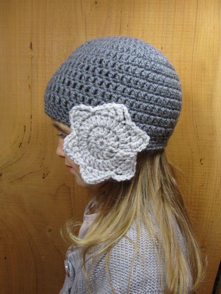 Bonnet gris cache oreilles étoiles grises taille 4/5 ans fille , crocheté, à