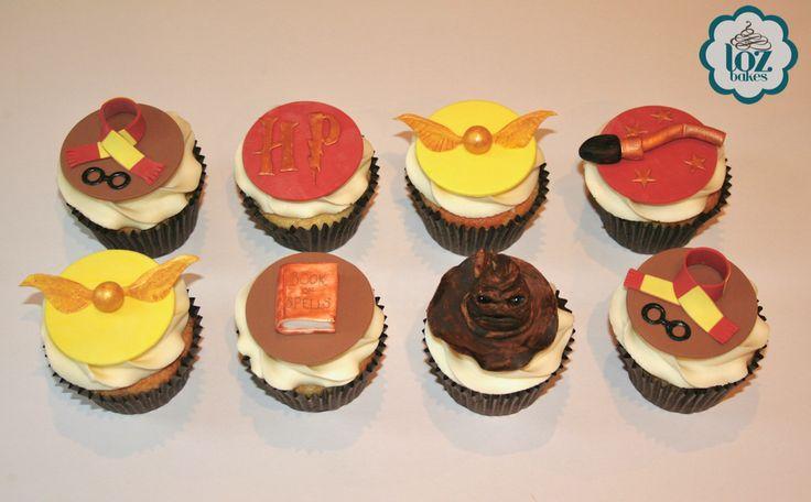 Harry Potter themed vanilla (gluten free) cupcakes.