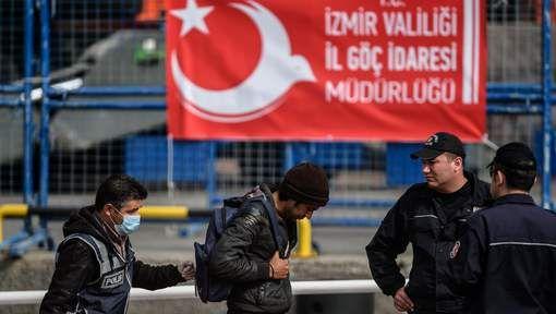 De Turkse minister van Binnenlandse Zaken Süleyman Soylu heeft ermee gedreigd maandelijks 15.000 vluchtelingen die momenteel in Turkije verblijven, ...