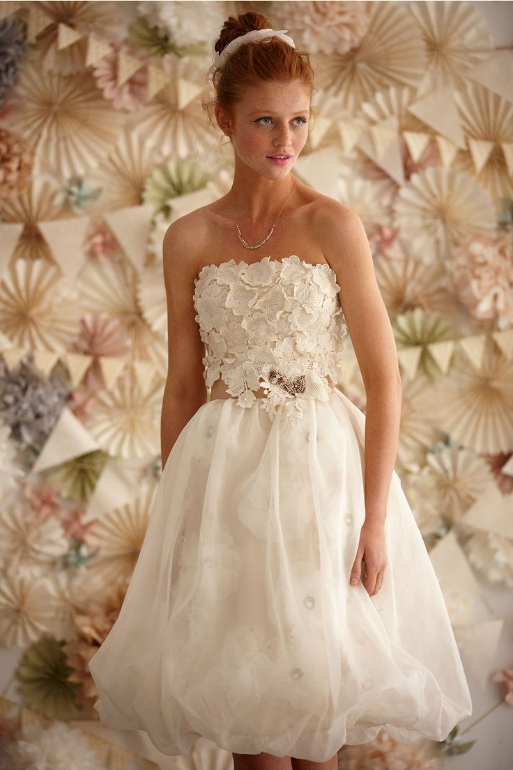 knee-length-wedding-dresses-with-short-sleeves