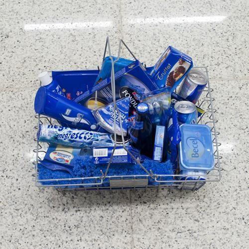 Thema: Boodschappen doen. verpakkingsmaterialen sorteren op kleur.