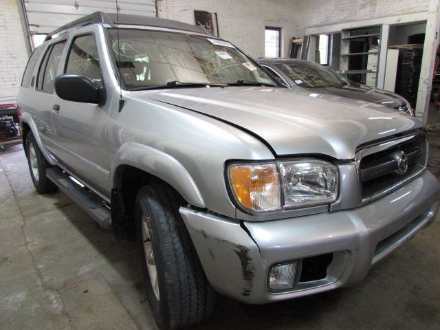Parting out 2004 Nissan Pathfinder – Stock # 140168