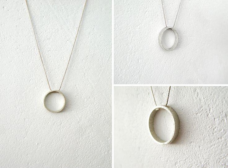 Modern, simple silver necklace with circle minimal / nowoczesny srebrny naszyjnik z kółkiem, minimalizm, yuvel.pl