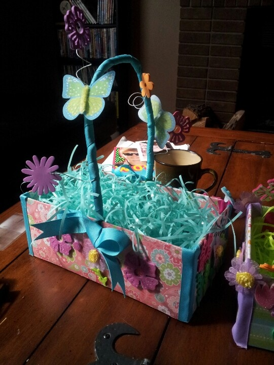 30 Shoe Box Craft Ideas: The Kiddos And I Made Diy Easter Baskets Out Of Shoe Boxes