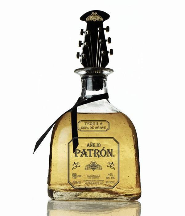 Не только этикетка, но и дизайн бутылки играет важную роль. Стильная упаковка, творчество дизайнера и украшения на бутылках — все эти факторы позволят сделать действительно оригинальный бренд. Если вы когда-нибудь будете работать над проектированием дизайна бутылки, то это статья именно для вас. Ниже показана коллекция состоящая из 60 удивительных бутылок для вашего вдохновения.