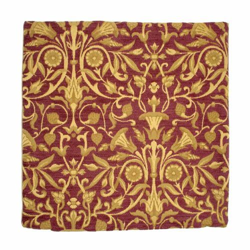 A great tapestry gift, this is a beautiful addition to the tapestries at English Heritage. The Tudor Red & Gold Tapestry Cushion is a Tudor inspired tapestry cushion created in England. Buy the Tudor Red & Gold Tapestry Cushion online from the English Heritage online shop.