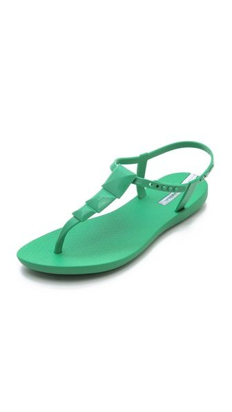 Love these rubber sandals in great colors- and amazing price!: Maya Studs, Summer Sandals, Ipanema Sandals, Casual Shoes, Color, Studs Sandals, Studded Sandals, Ipanema Maya, Flats Sandals