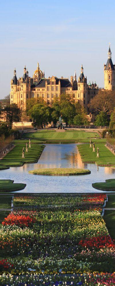 Palace Garden and Schwerin Castle in  Mecklenburg-Vorpommern, Germany • photo: Harald Hoyer on Flickr