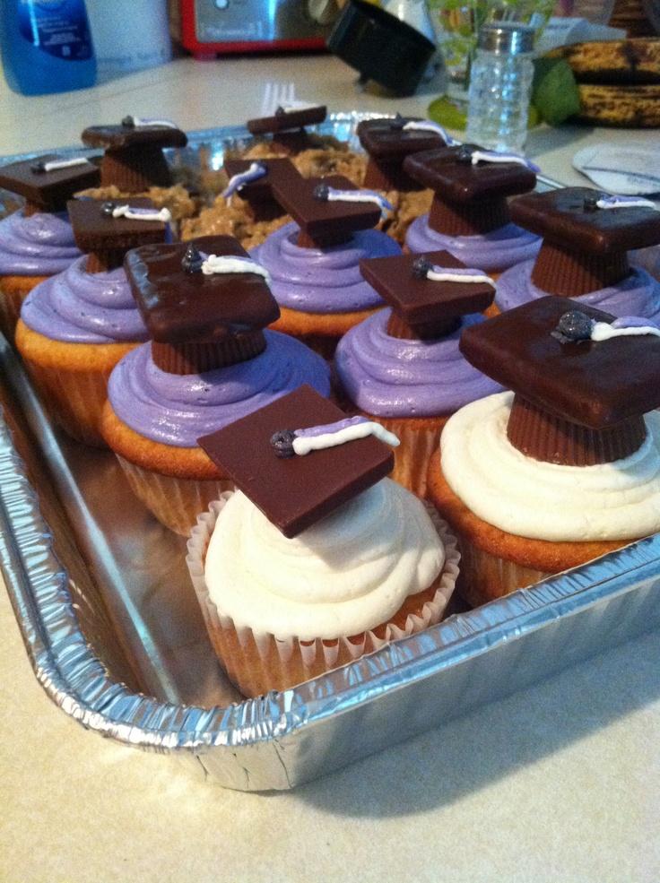 Graduation Cupcakes:)