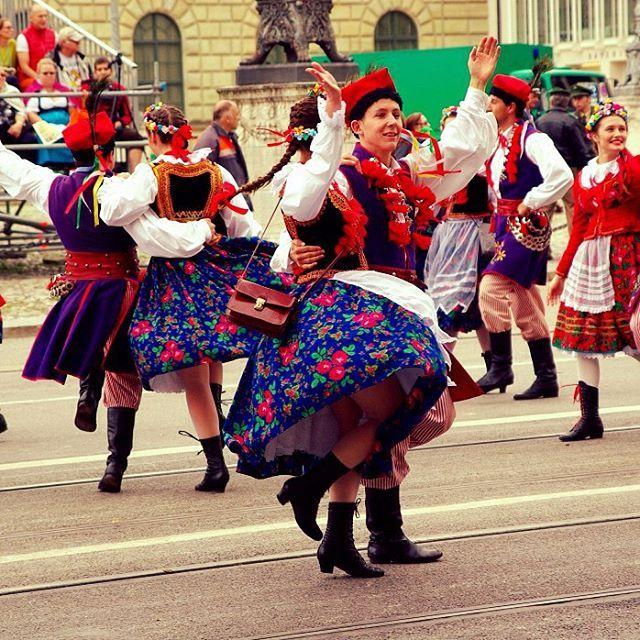 Imágenes del mundo: Festival Oktoberfest (Fiesta de Octubre en alemán), Munich - Alemania...  #cibervlachoimagenesdelmundo   Visita mi Blog: http://cibervlacho.blogspot.com