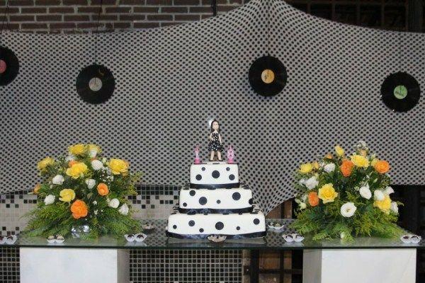 Decora o de festa estilo anos 60 bolos tem ticos - Estilo anos 60 ...