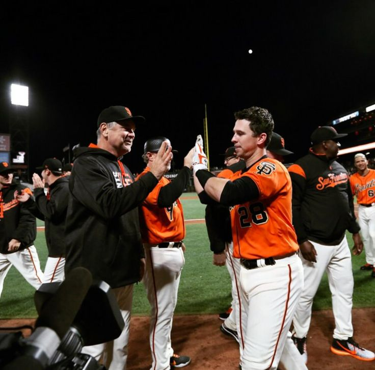 Buster Posey with the 17th inning walkoff!